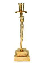 Gouden kandelaar in de vorm van een man figuur