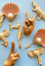 Gouden peace hand wandhaakje