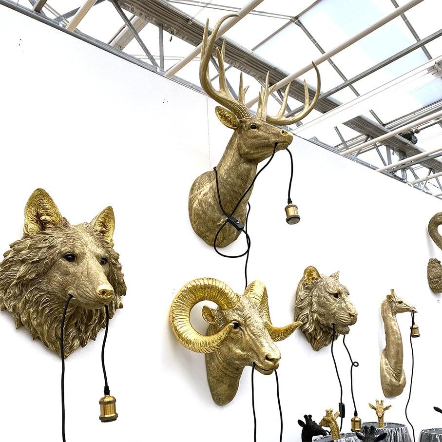 Gold tiger head throphy wall light