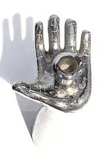 Zilveren hand kandelaar