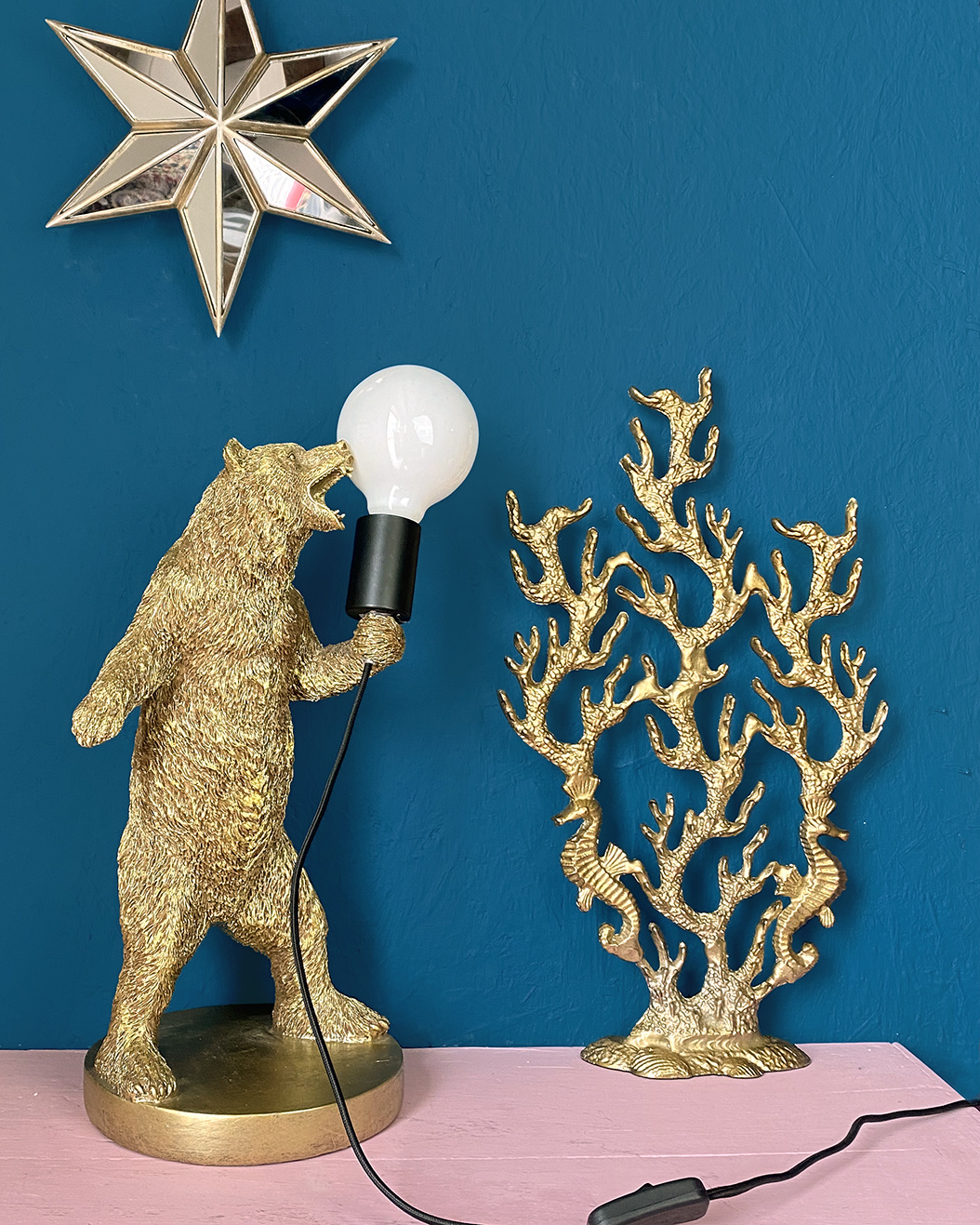 Golden bear table lamp