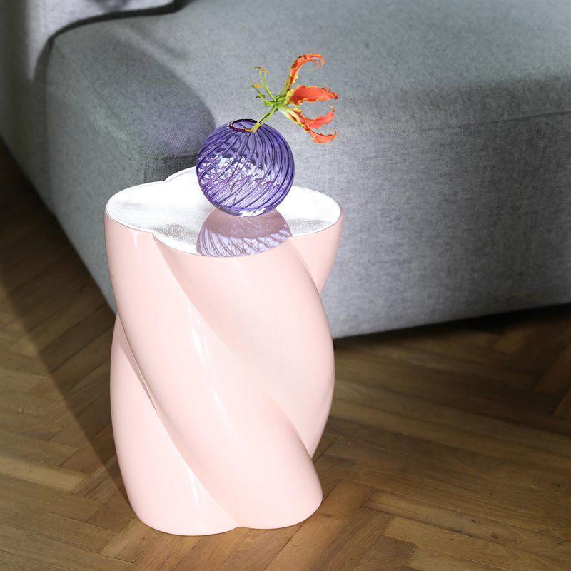 Roze design bijzettafeltje in de vorm van een marshmallow