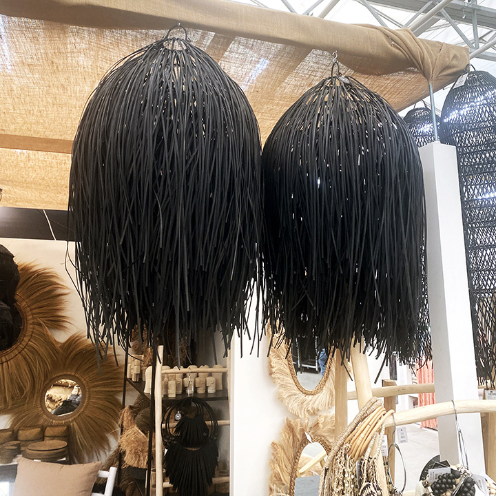 Zwarte boho chic stijl hanglamp van rotan hout