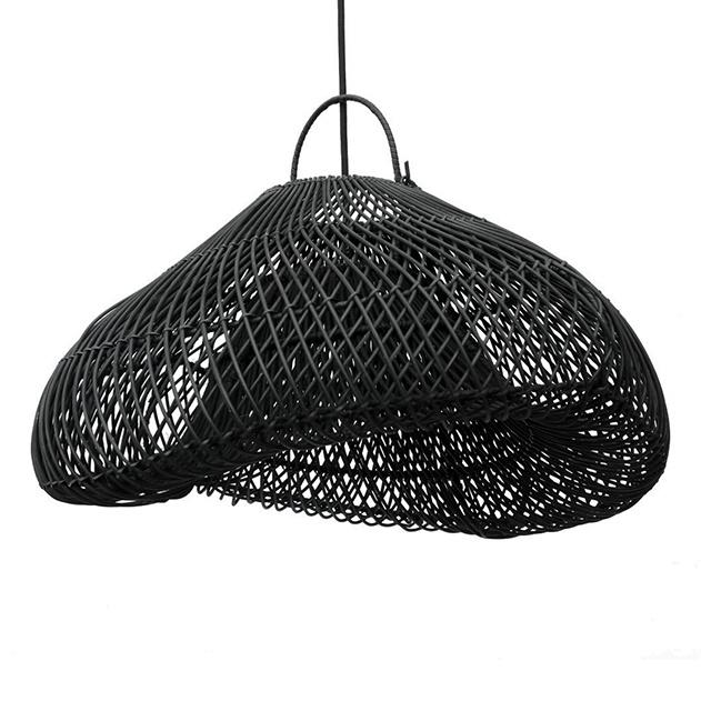 Moderne boho chic stijl hanglamp van zwart rotan hout