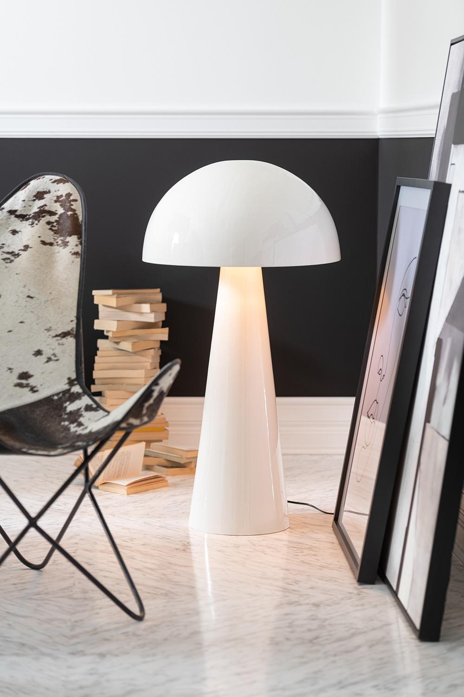 Wit metalen design vloerlamp in de vorm van een paddestoel
