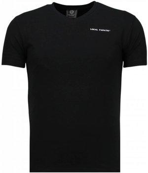 Local Fanatic Camisetas - Basic Exclusive V Neck - Negro