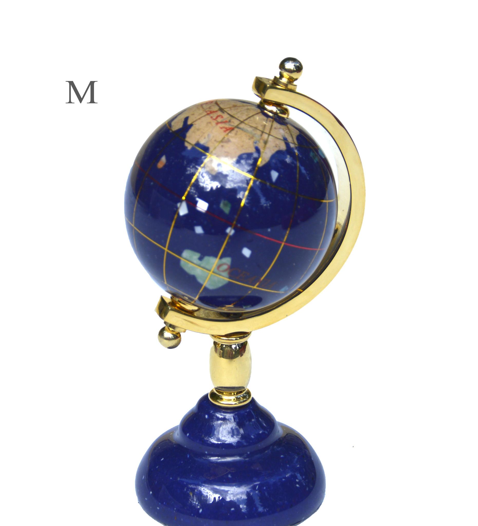 Globus aus Edelsteinen