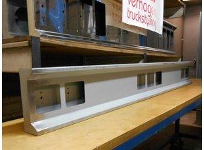 VTS lichtbalk 190cm Cabine achterzijde 8 vierkante gaten staal