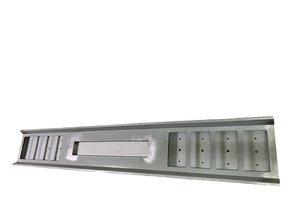 VTS bumper 8 vierkante gaten kenteken uitsparing