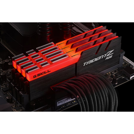G.Skill G.Skill Trident Z RGB 32GB DDR4 geheugenmodule 4 x 8 GB 2400 MHz
