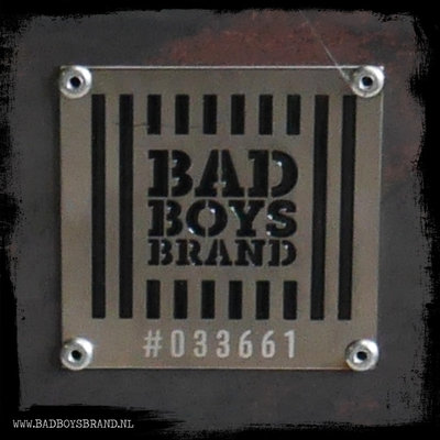 Bad Boys Brand Thumbs Up - Tuinhaard - BadBoysBrand Made in Jail - 168cm - staal - 100% Made in jail