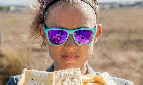 Amelia Boone krijgt haar eigen Goodr Sunglasses