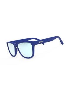 GoodR GoodR-Sonnenbrille, die Geschichten aus der Cryo-Crypt Blue ausführt