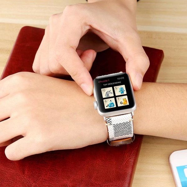 123Watches Apple watch leather grid band - white