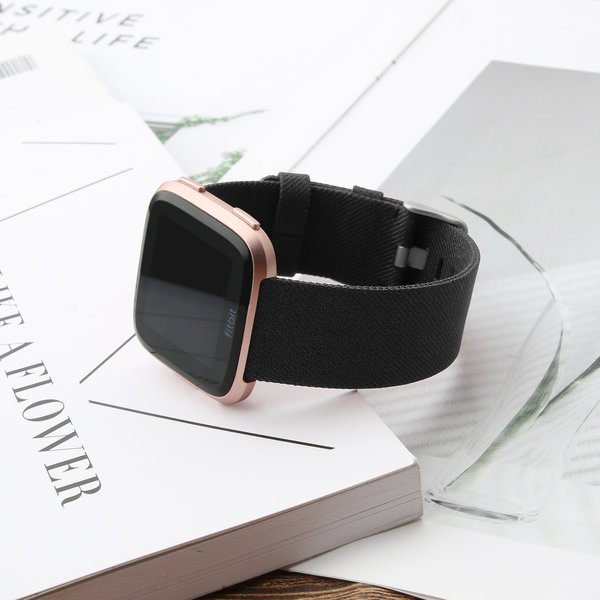 123Watches Fitbit versa nylon gesp band - zwart