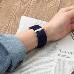 123Watches.nl Fitbit versa nylon gesp band - blauw
