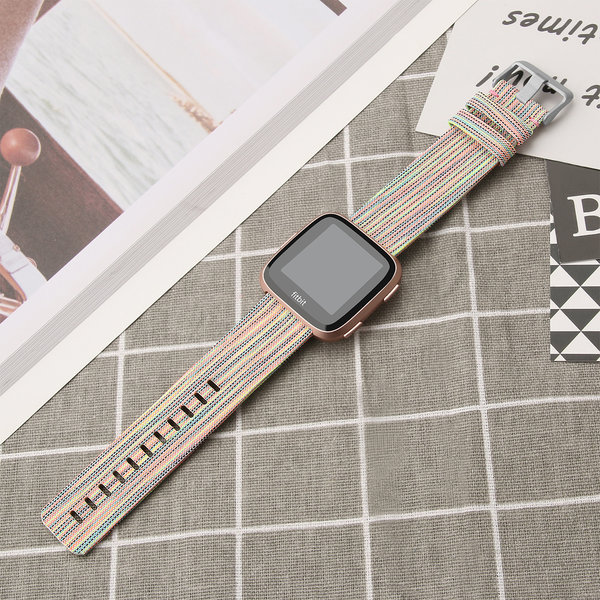 123Watches.nl Fitbit versa nylon gesp band - kleurrijk
