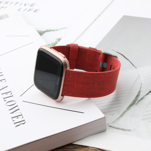 123Watches Fitbit versa nylon gesp band - rouge