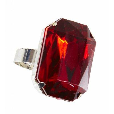 Ring Met Rode Steen