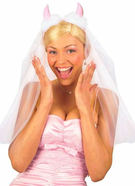 Bruidssluier Met Rose Duivelhoorntjes