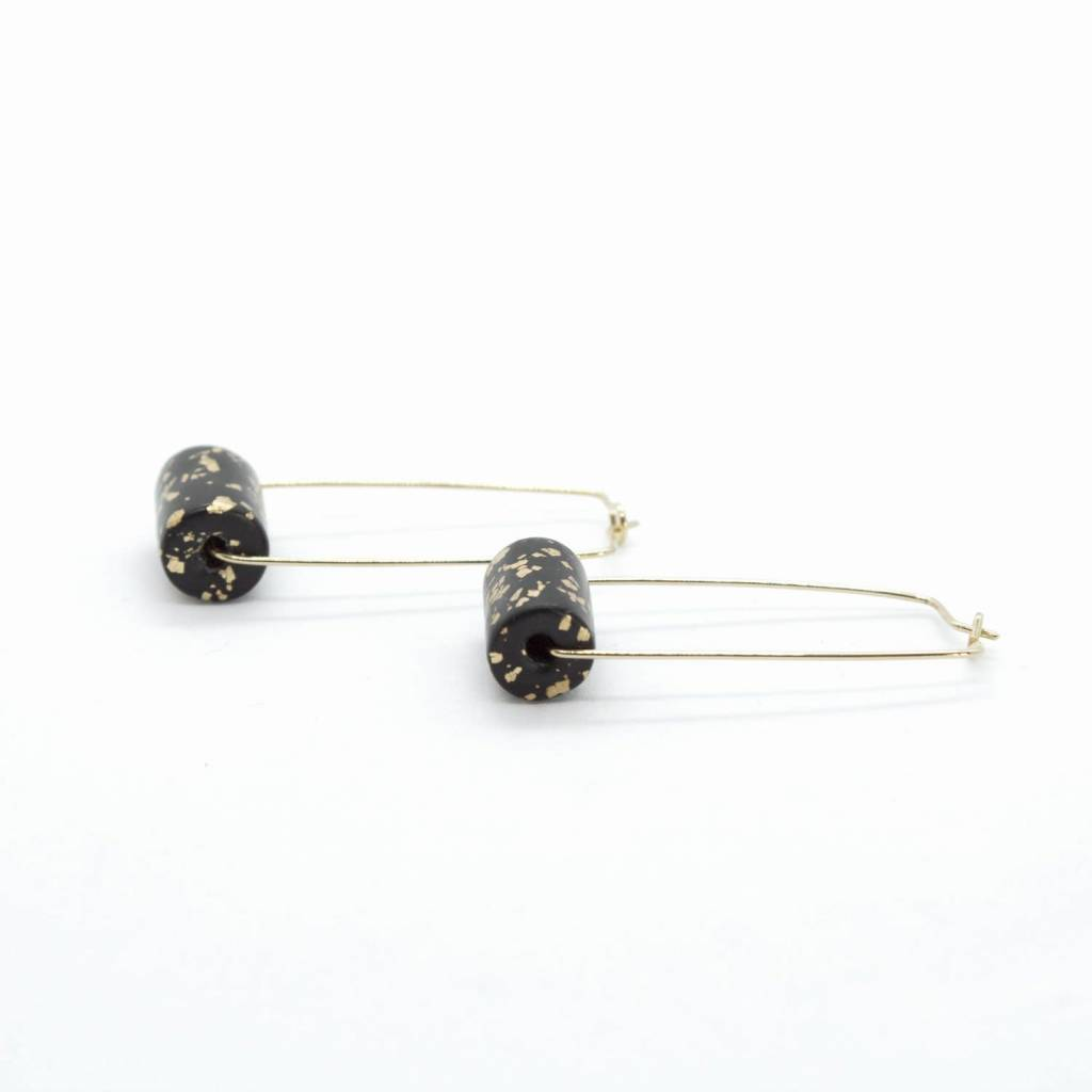 5mm Paper 5mm Paper - Earrings Rectangle Black & Specks Bead