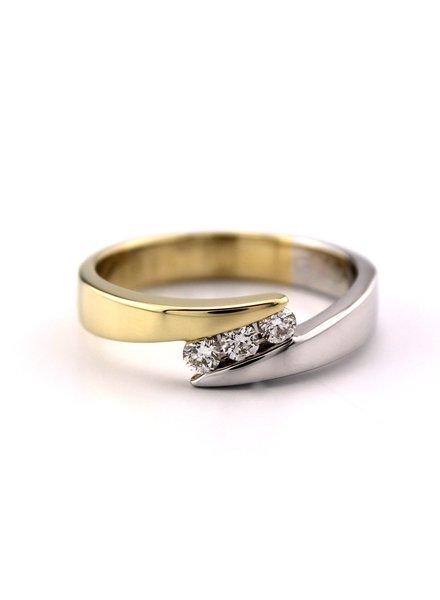 Passione Geel- met witgouden ring met 3 diamanten