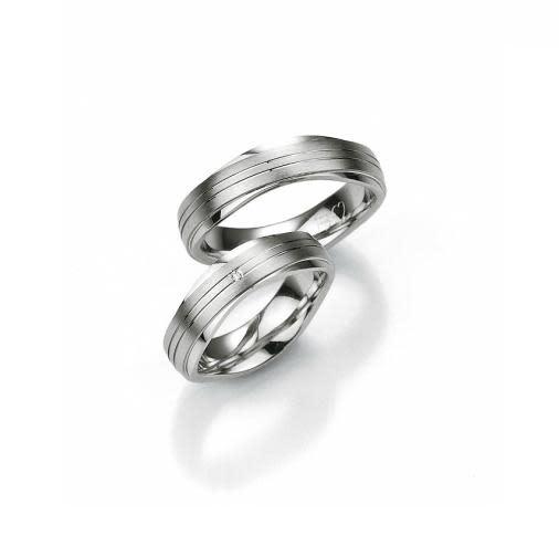 Breuning Breuning, zilveren relatiering, damesring met 0,01 ct briljant 48/08013