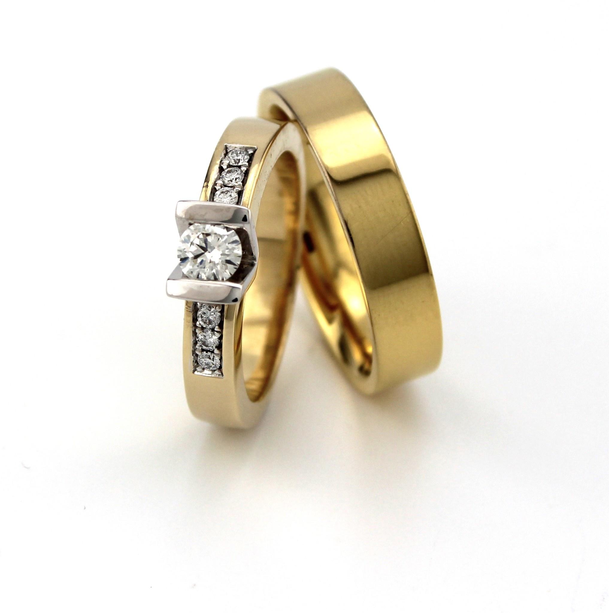 Geelgouden trouwringen paar 4