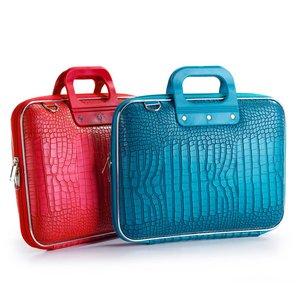 3895f2fca04 Ons assortiment 15 inch laptoptassen biedt voor ieder wel een geschikte  laptoptas, voor jong en oud. De collectie bestaat uit veel aantrekkelijke  kleuren en ...