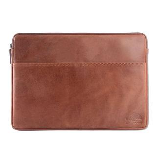 WILD WOODS Leren 15,6 inch Universele Laptophoes – Laptop Sleeve – Geschikt voor Macbook Pro - Oil Pull-up Leer - Cognac