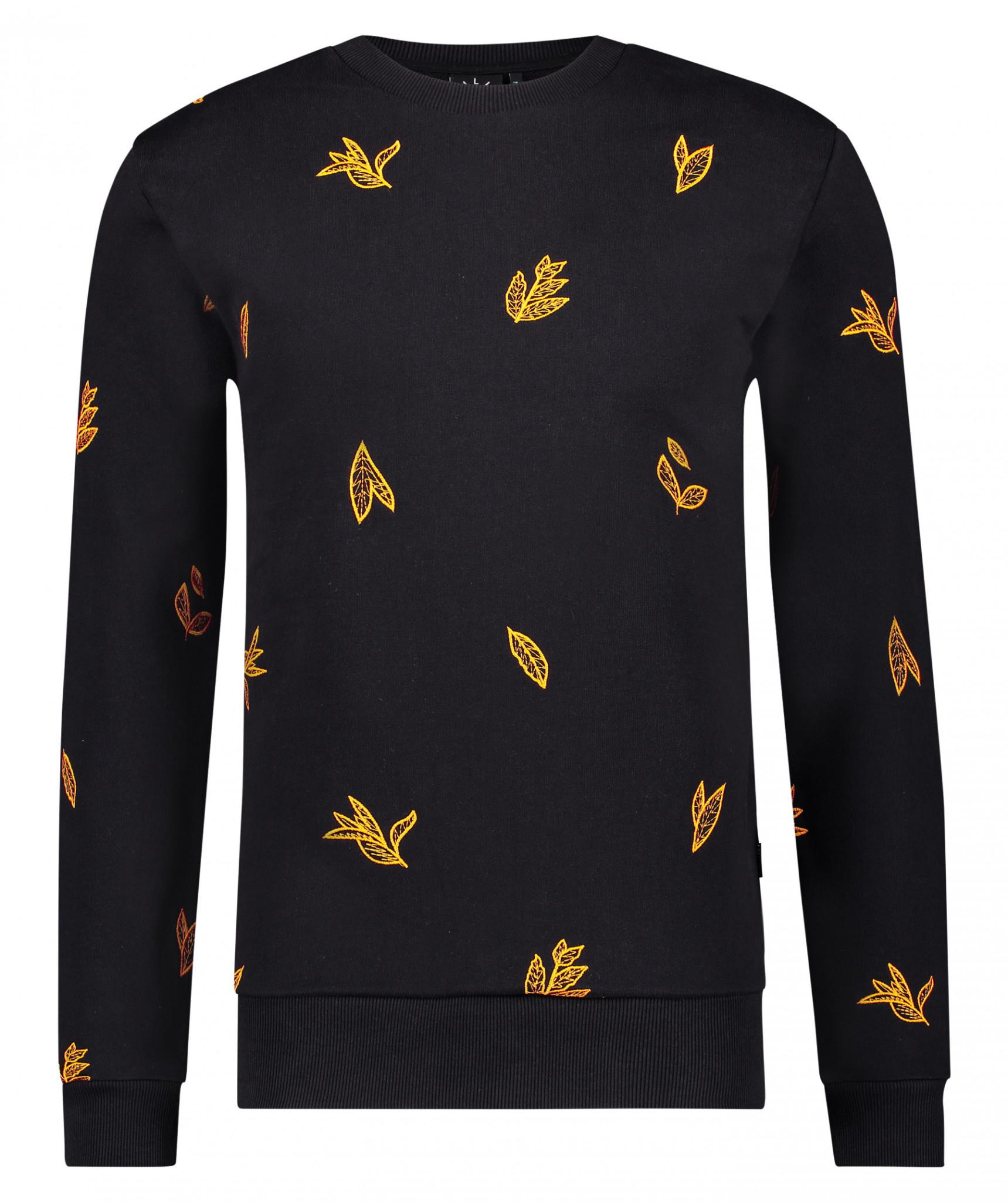 Kultivate Kultivate Winter Leaf Sweat Black