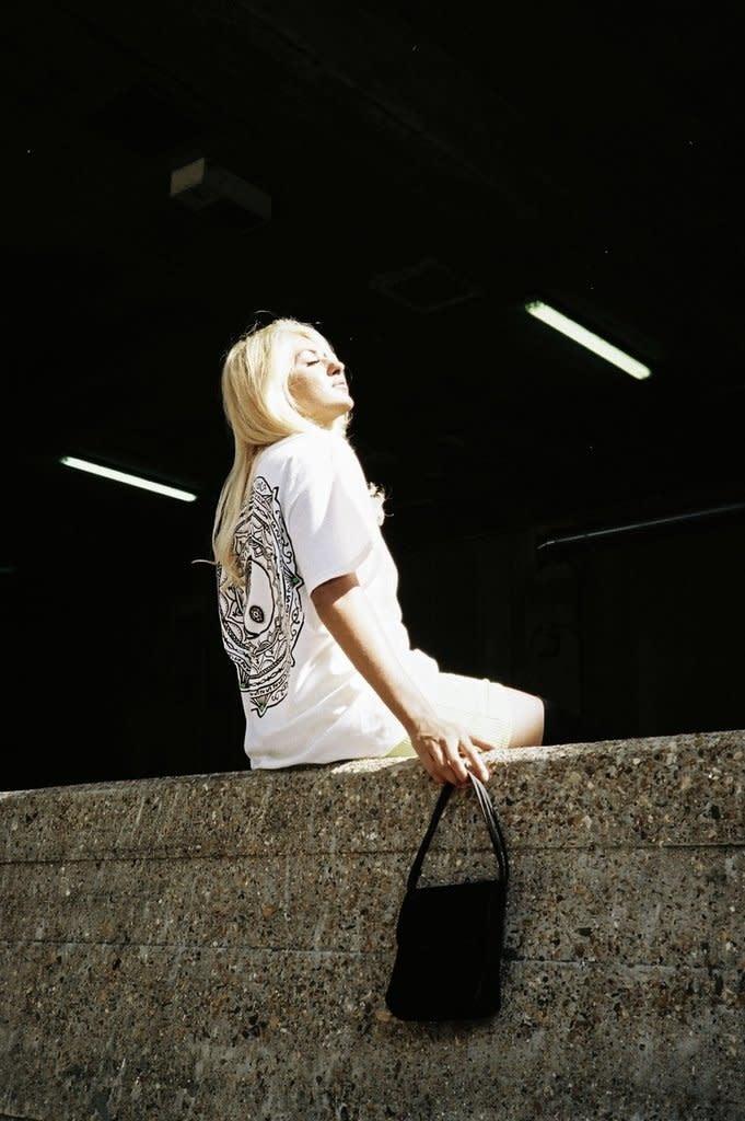 HNR LDN Honour Londen Ying Yang Oversized Tee White