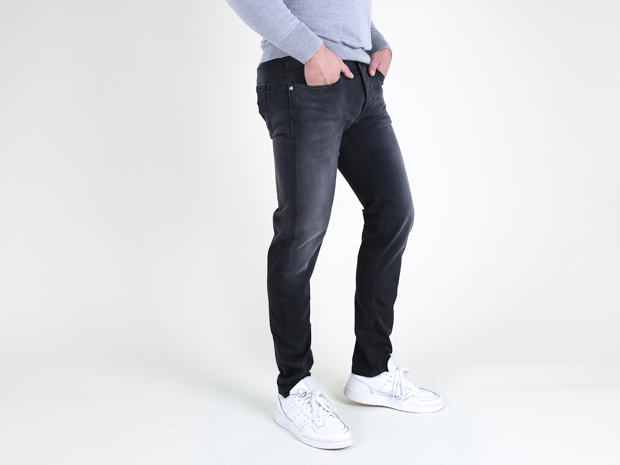 Fifty Four Fifty Four Rages J591 HM-1-ML Slim Fit Jeans Washed Black