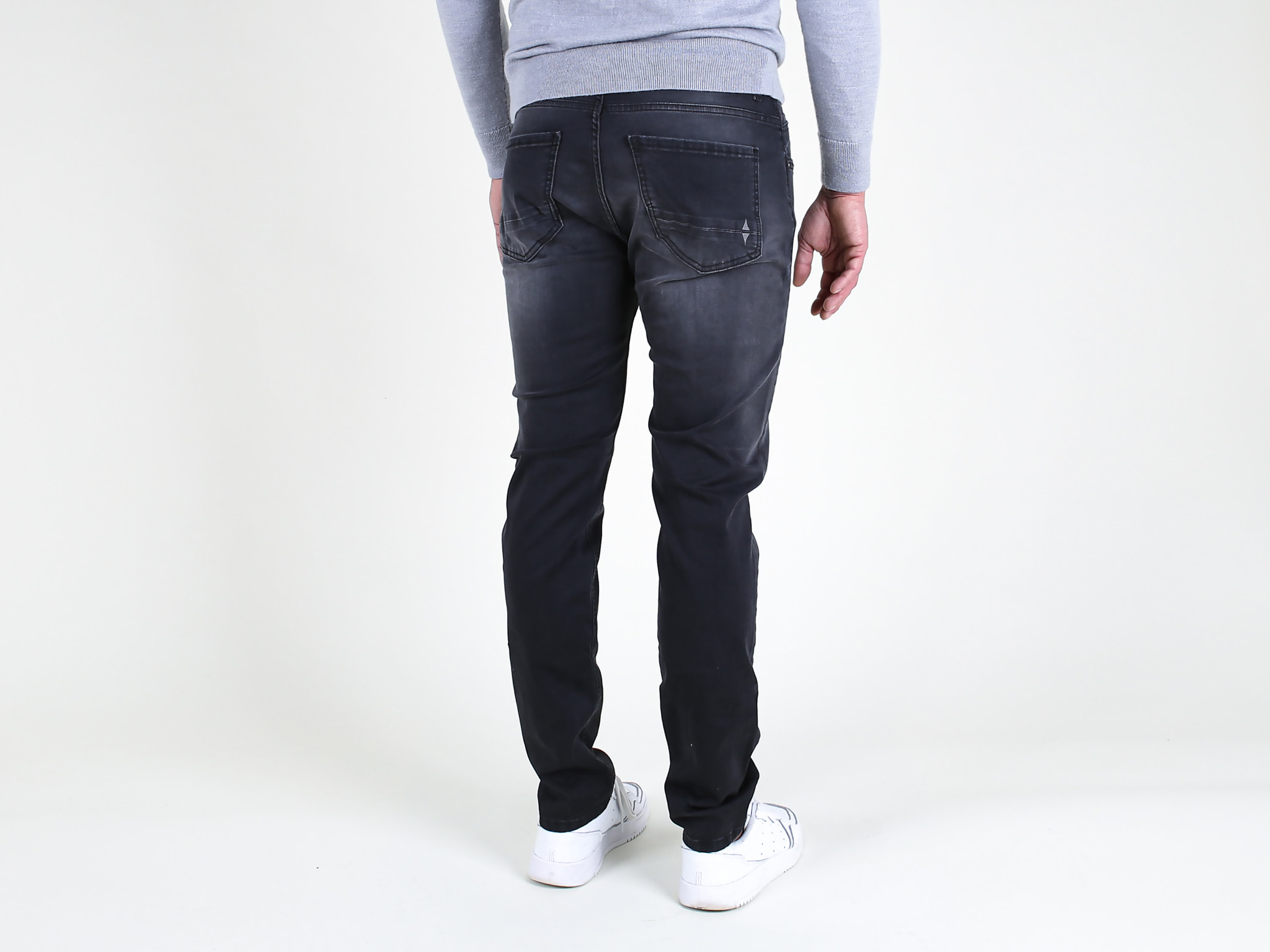 Fifty Four Fifty Four Rages JC74-Z54 Slim Fit Jeans Washed Black