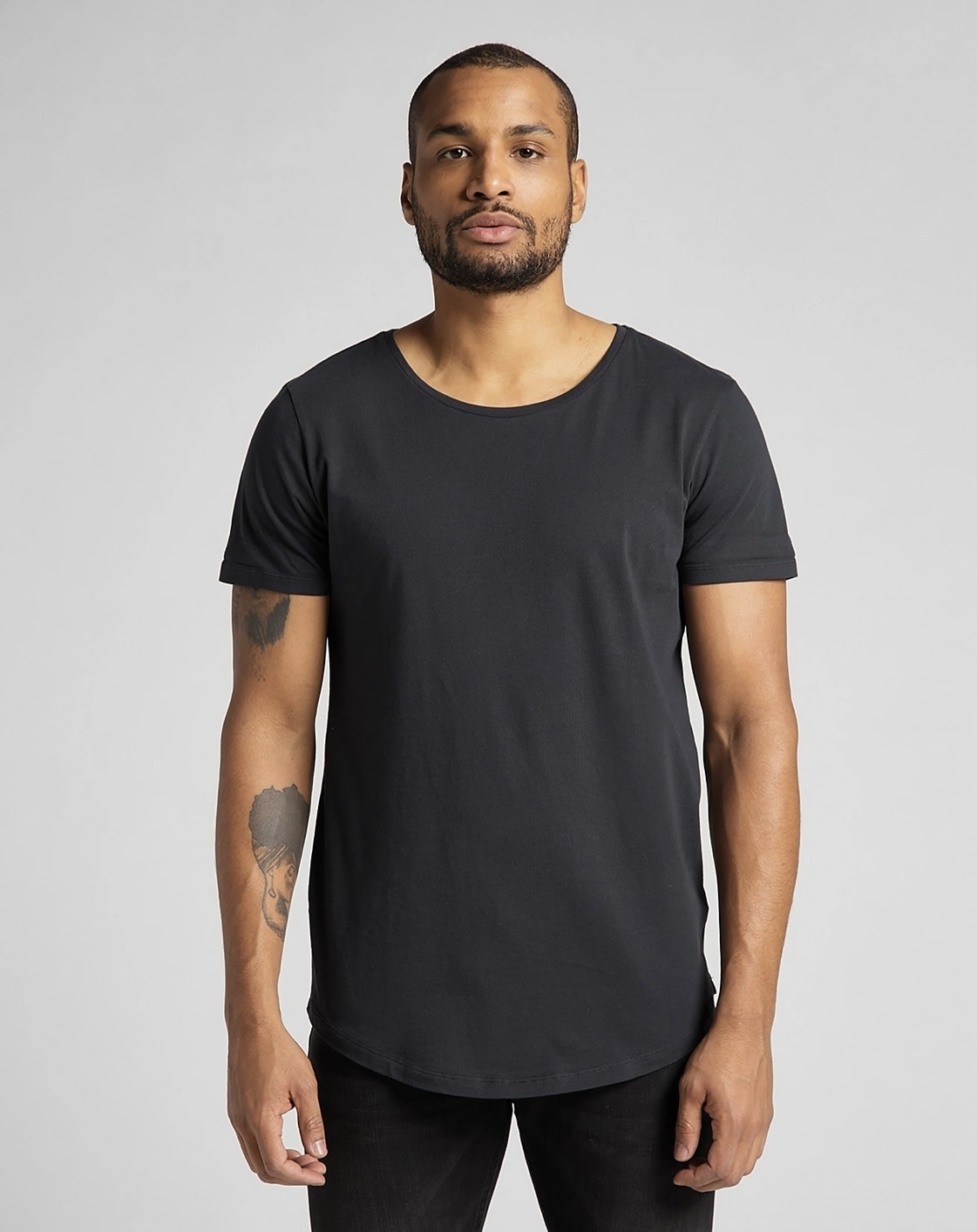 Lee Lee shaped Tee Long fit Washed Black