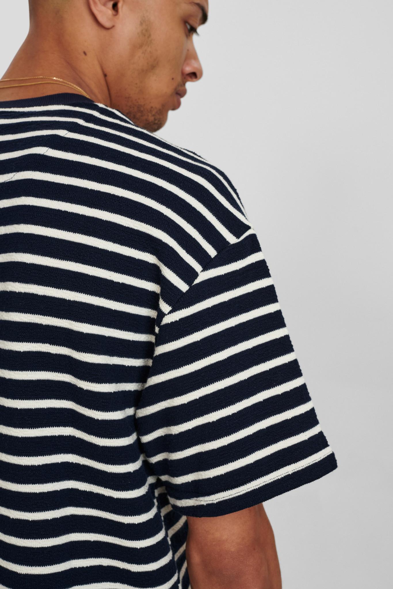 Anerkjendt Anerkjendt AkHolger Stripe Tee 900361 Sky Captain Navy