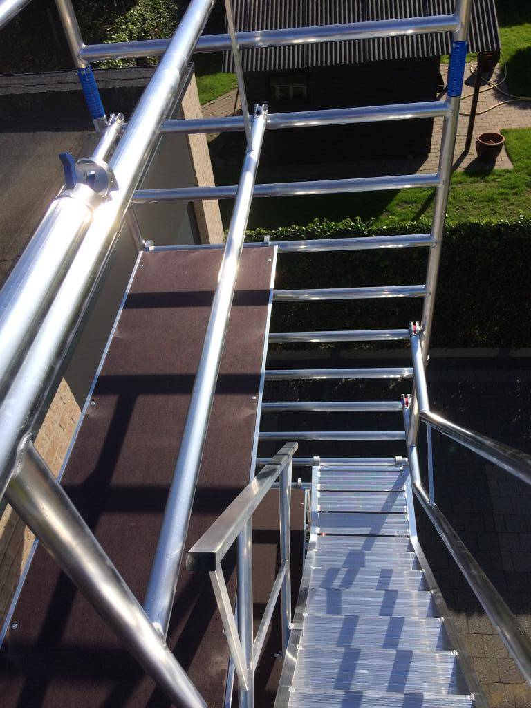 ASC Treppenturm 135-250 x 6 m Arbeitshöhe