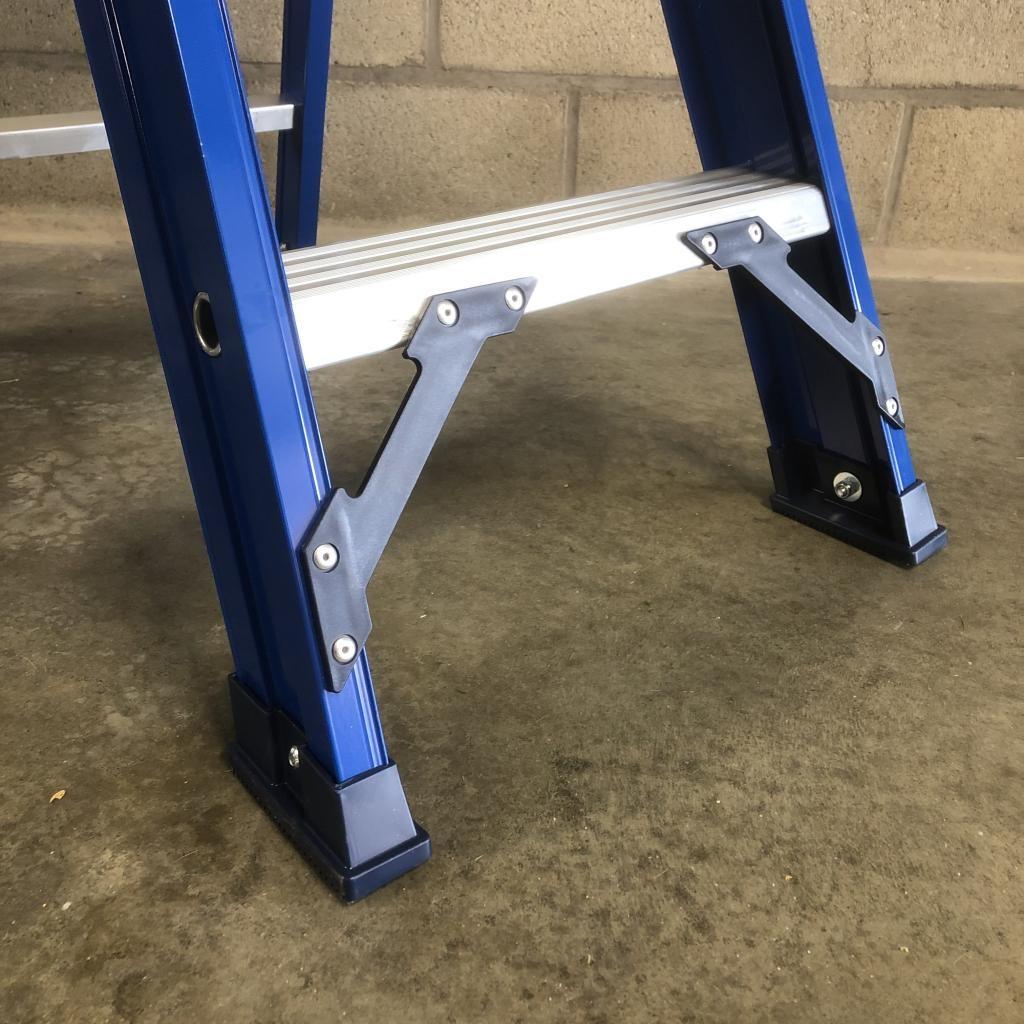 Das Ladders Das Hercules blue trapladder 4 treden ET4B