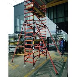 Échafaudage en fibre de verre 70 x 250 x 8 m hauteur travail