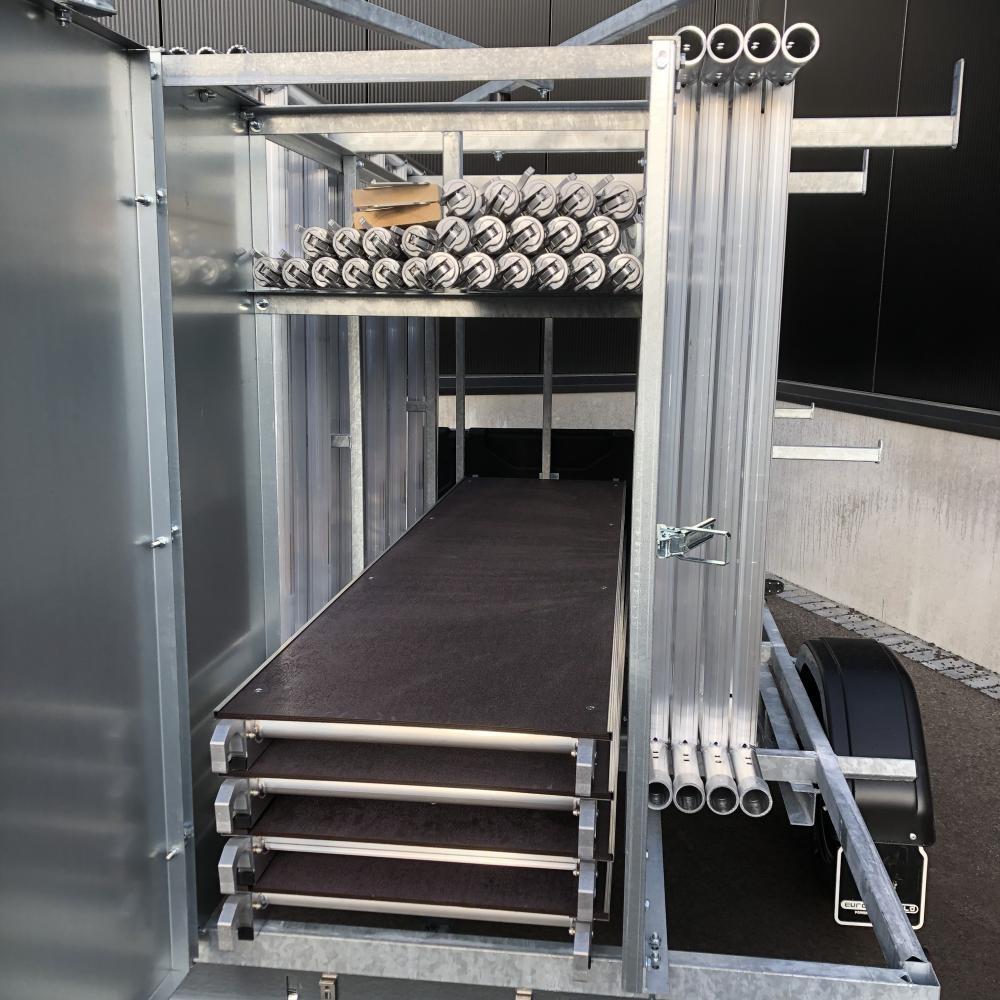 Rolsteiger 1,35 x 2,50 x 10 m + afsluitbare steigeraanhanger