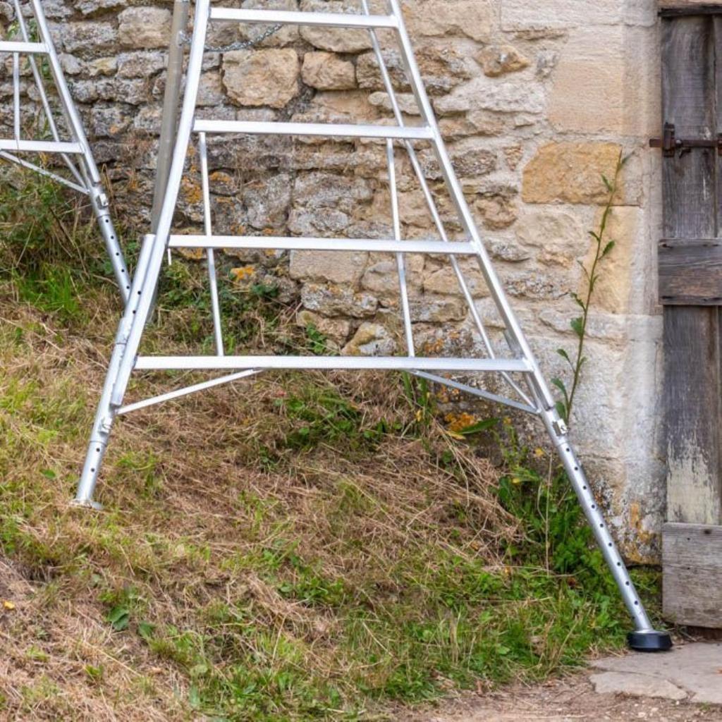 Henchman driepootladder 300 cm met 3 verstelbare poten