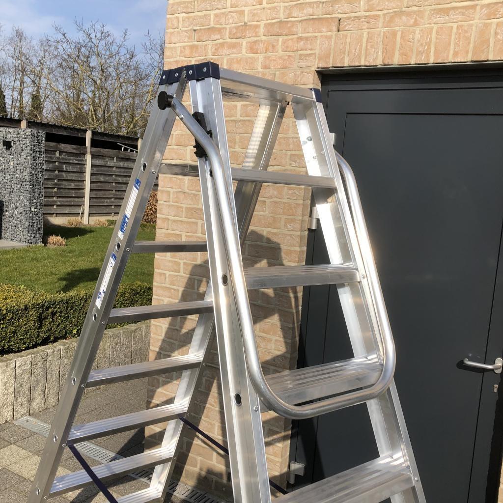 Das Ladders Das Ladders neerklapbare beugel voor dubbele trap