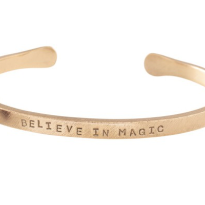 a Beautiful Story AW23048 - Pure Granaat goud armband - tekst sunshine