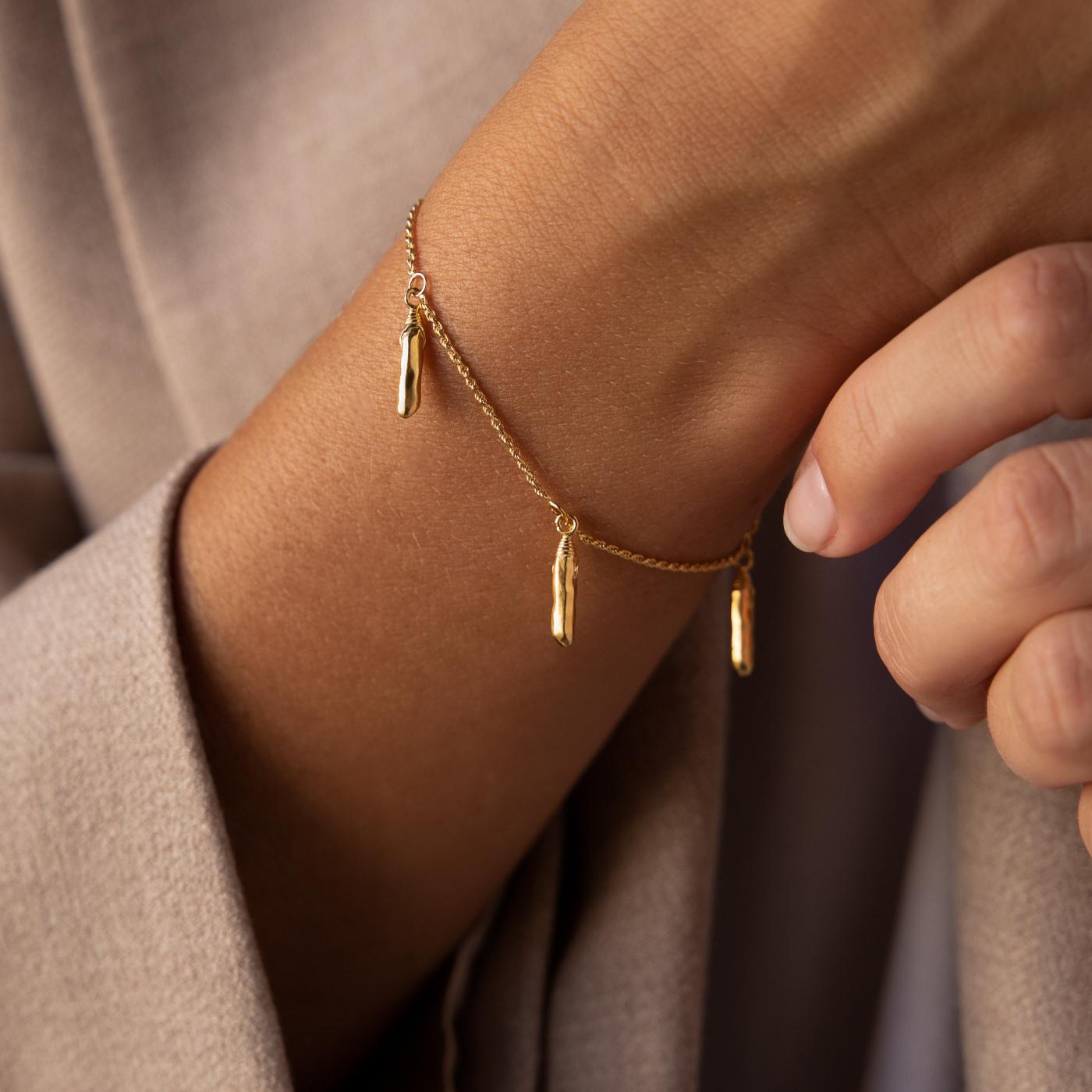 Violet Hamden Sisterhood Mona 925 sterlingsølv guldfarvet armbånd