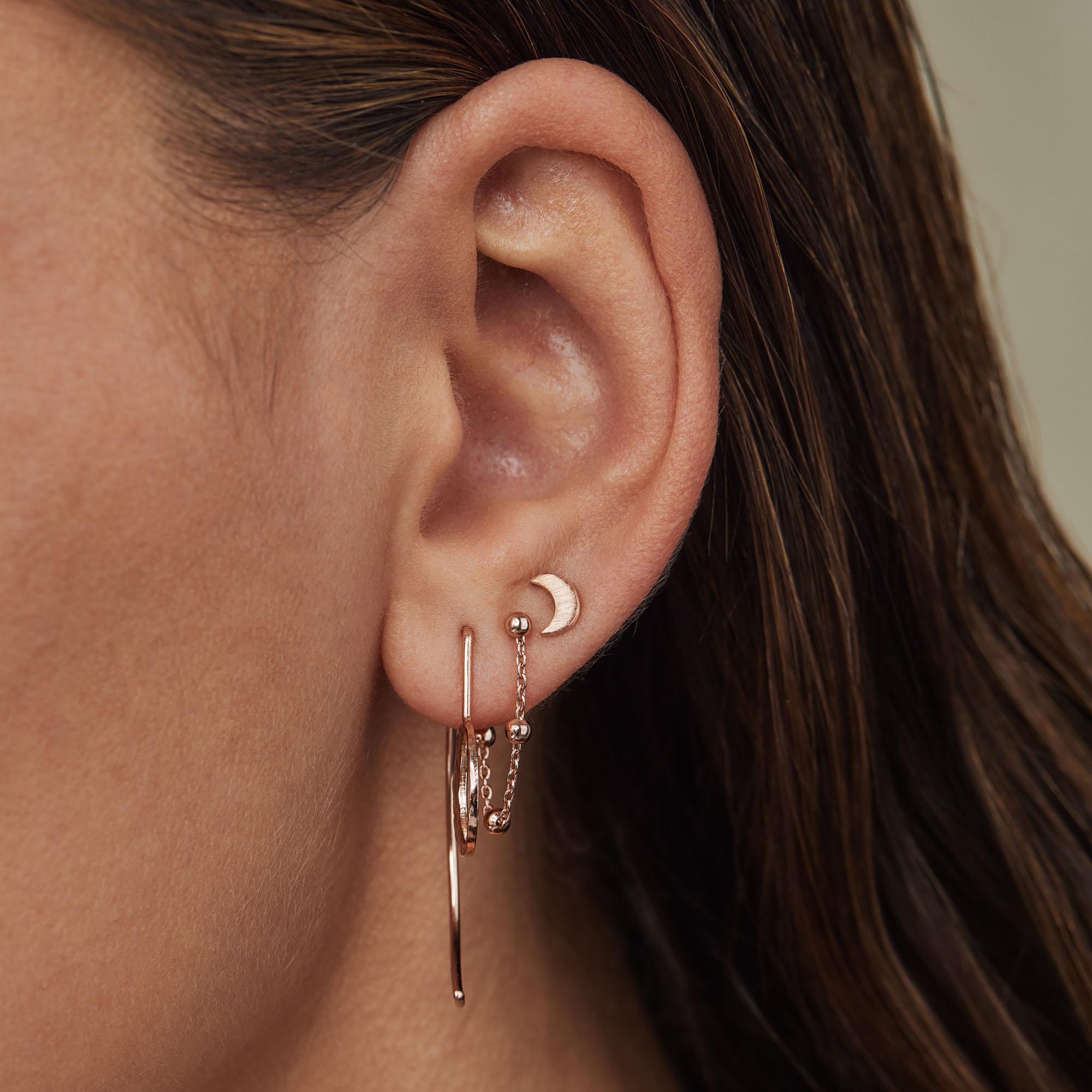 Violet Hamden Luna 925 sterling zilver rosé goudkleurige oorhangers met maantjes