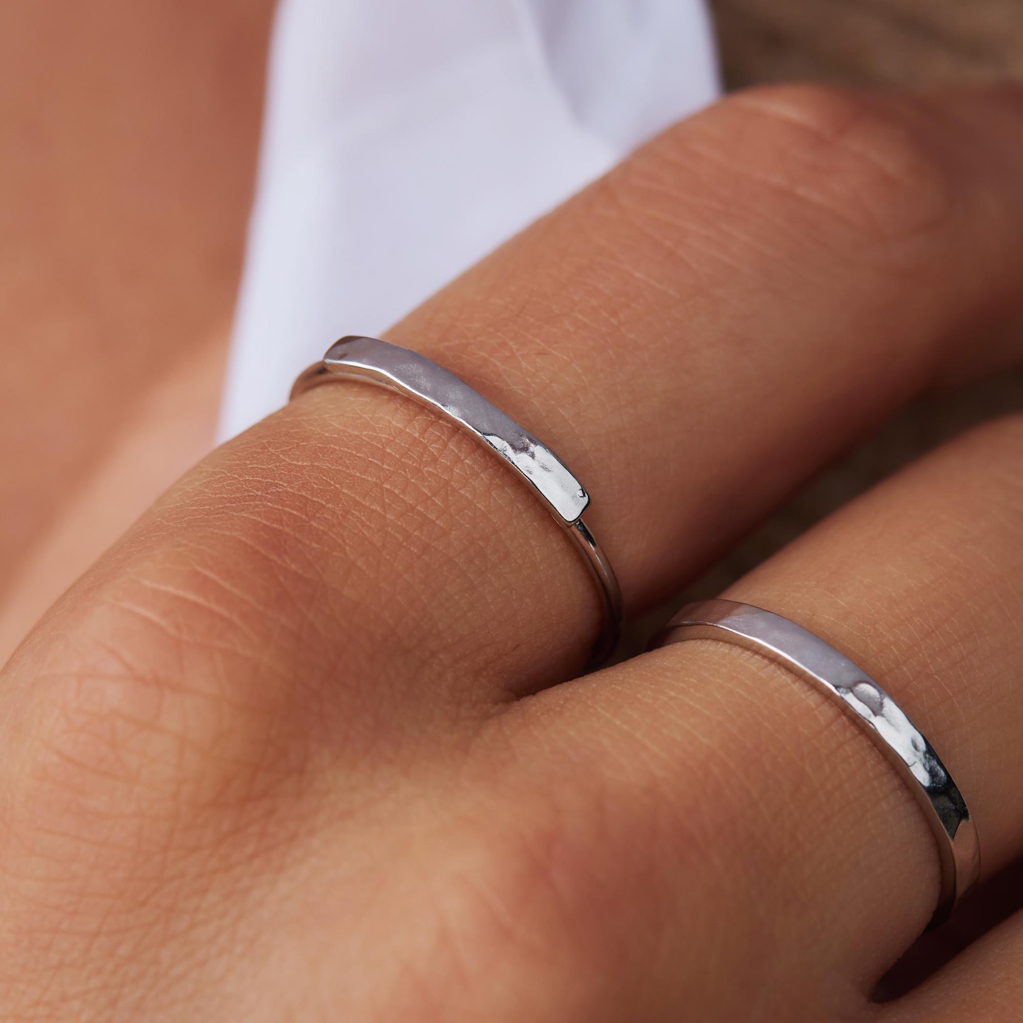 Violet Hamden Sisterhood Moonscape anello in argento sterling 925