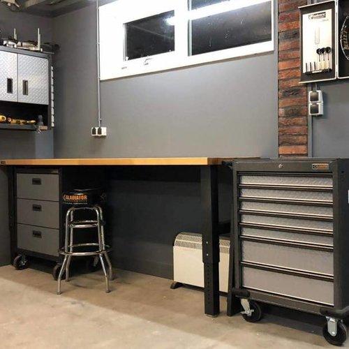 Deze garage/werkplaats heeft álles!