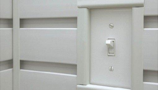 Afwerking van GearTrack® kanalen en GearWall® panelen