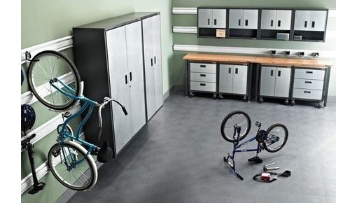 Ready-To-Assemble = garagekasten die je in een handomdraai in elkaar zet
