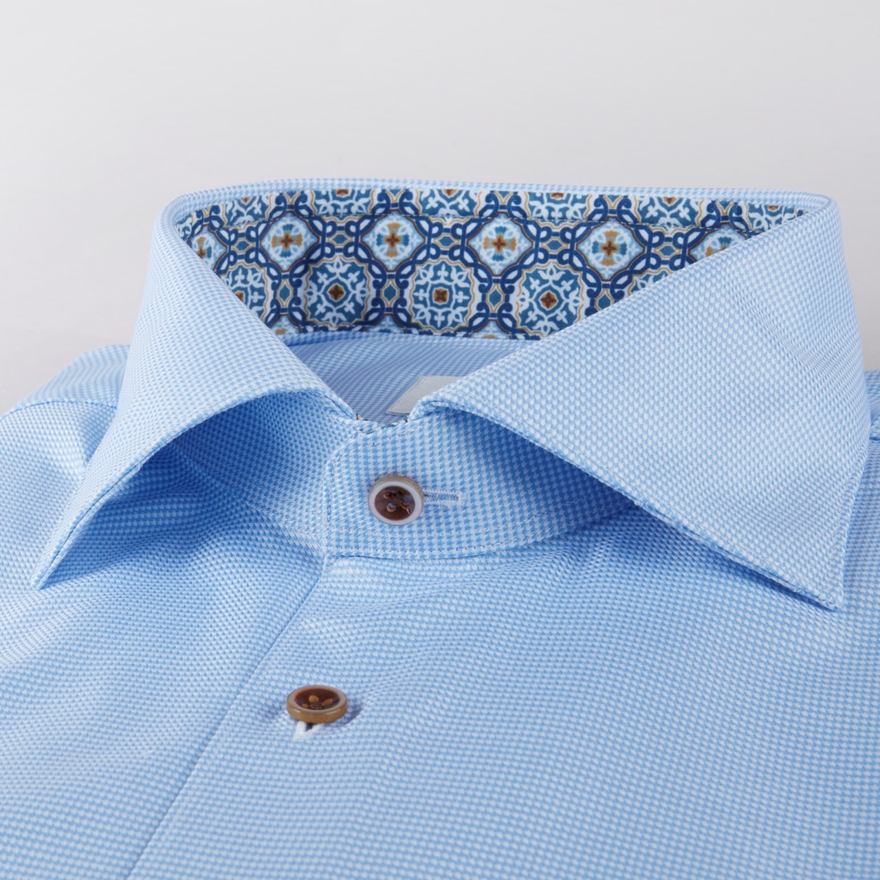 Stenstroms Cut Away collar with medieval trim